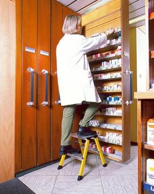 Лестница стремянка Rolly 2 ступени купить на выгодных условиях в Брянске